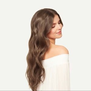 Luxy hair clip in extensions